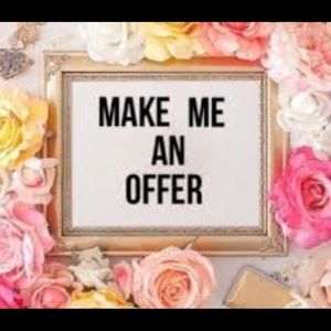 All reasonable offers accepted! 🌸